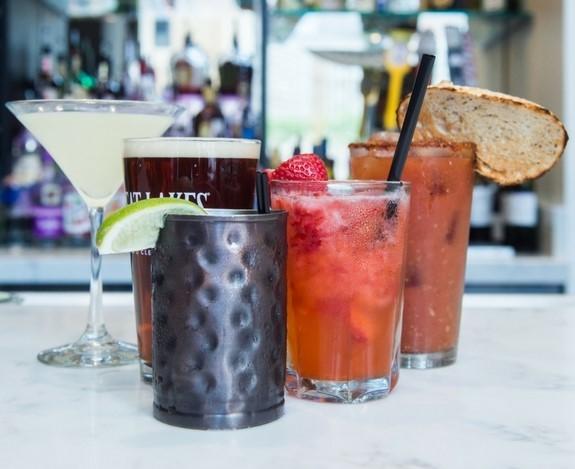 Happy Hour, Bloody Mary, Full bar